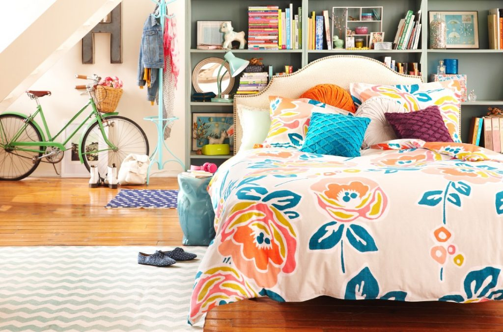 Beautiful Flower Pattern on Fluffy Duvet in Bohemian Apartment Decorating Ideas with Grey Shelves