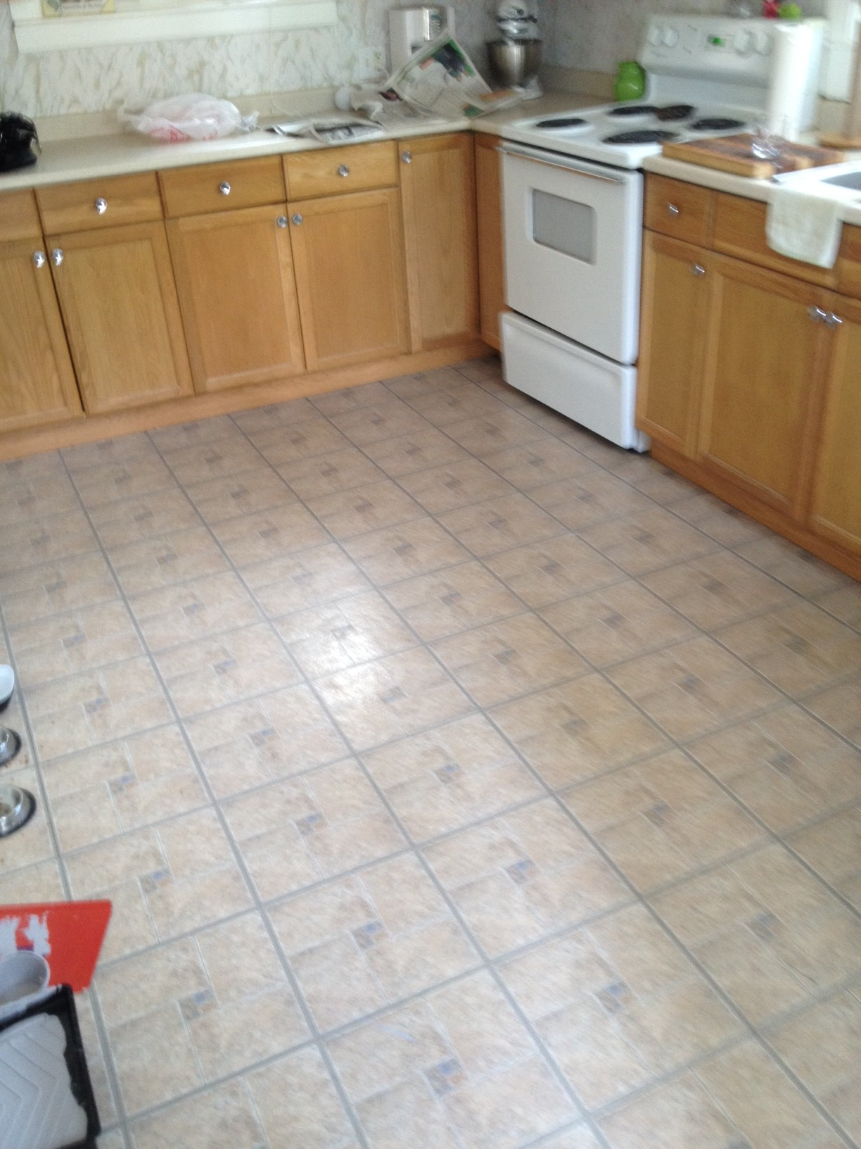 4 great options for kitchen flooring ideas 4 homes for White kitchen vinyl floor