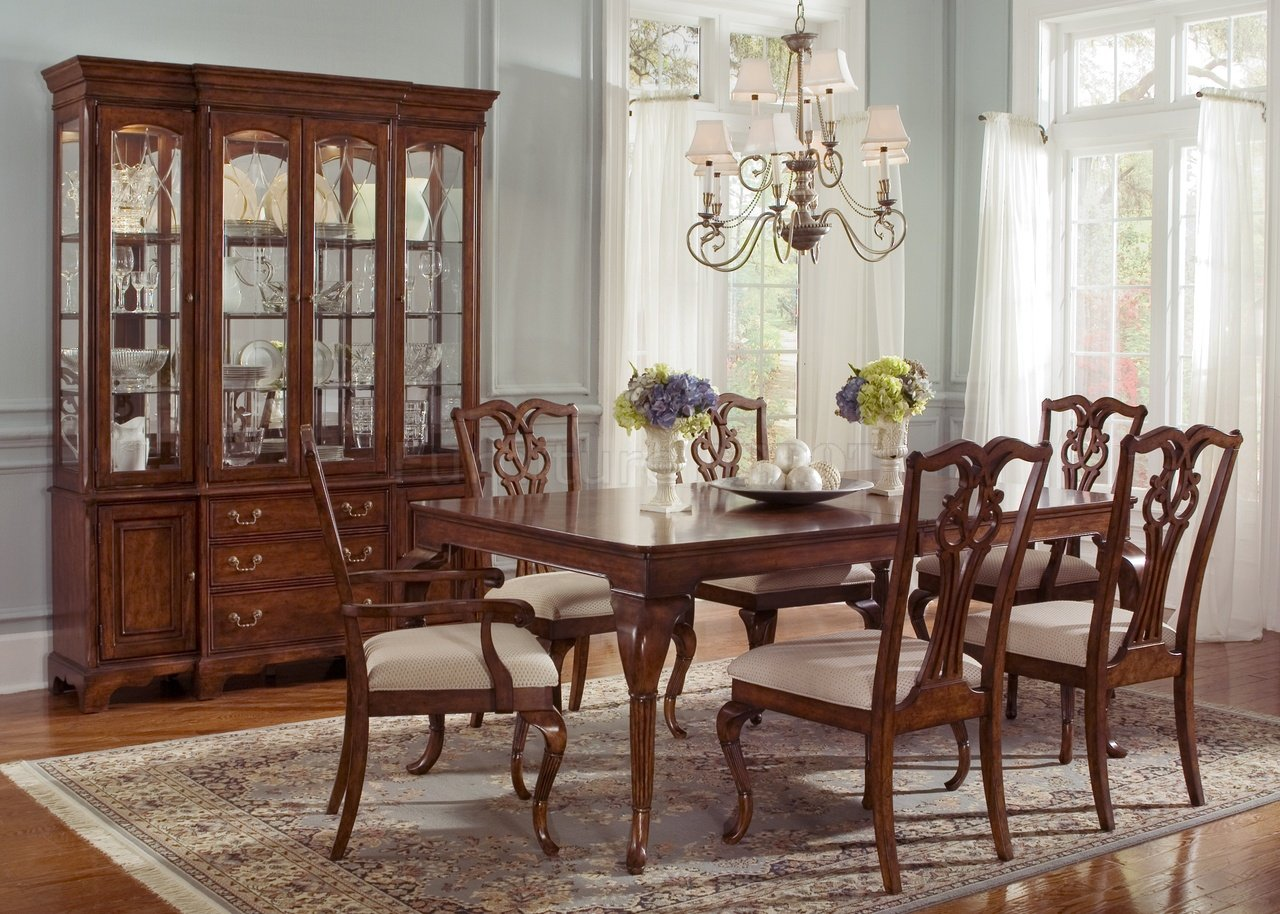 Lavish classic dining table designs as attractive focal for Classic design furniture
