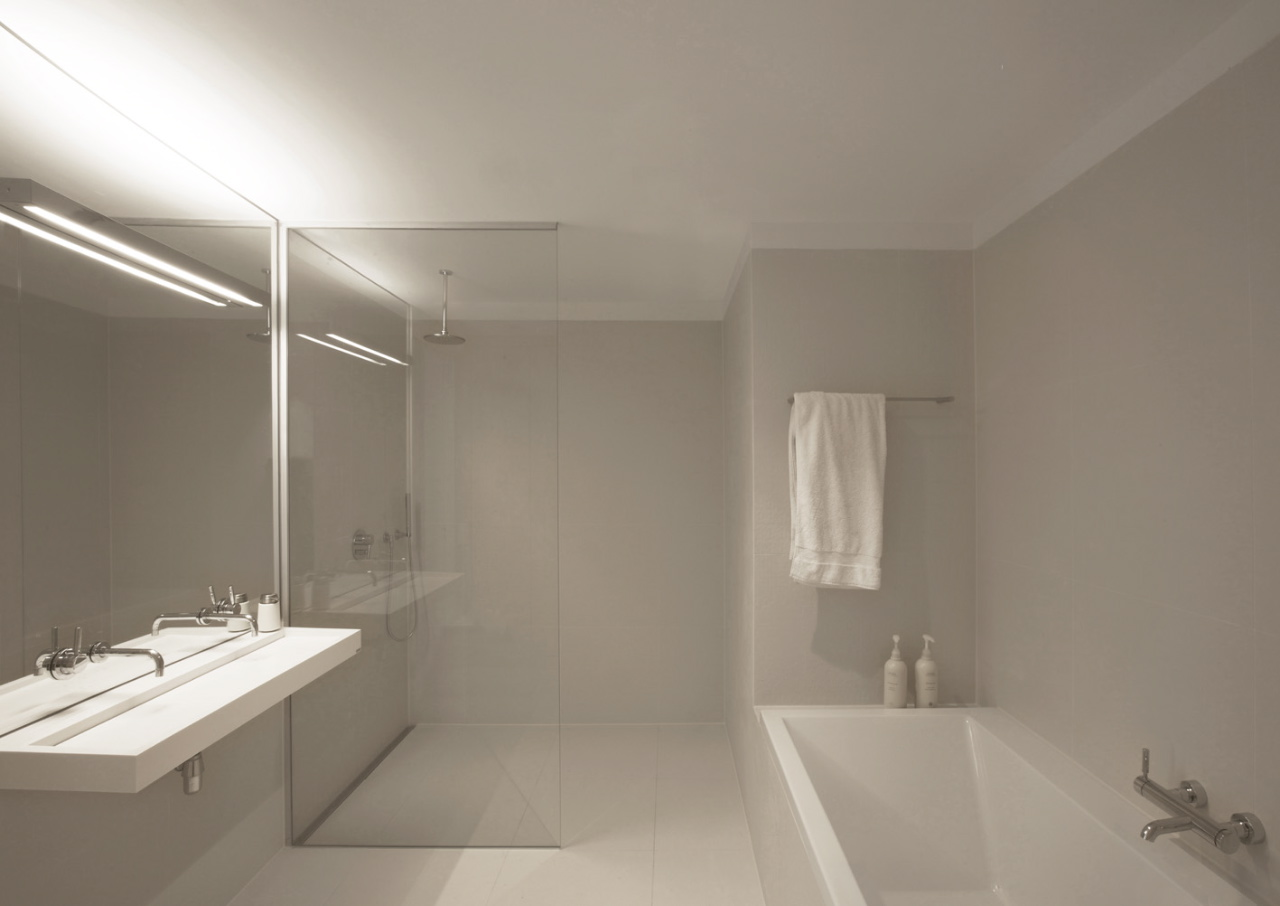 Appealing modern minimalist bathroom designs concept for Modern shower design