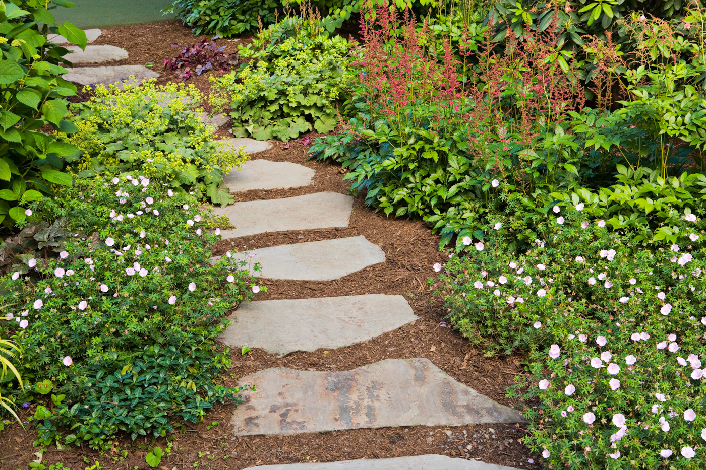 Garden Pathway Design Ideas with Some Natural Stones ...